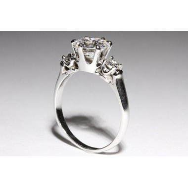 Crown Style Setting with Side Diamonds