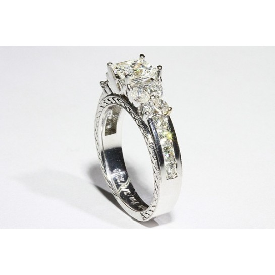 Hand carving Butterfly Diamond Engagement Ring